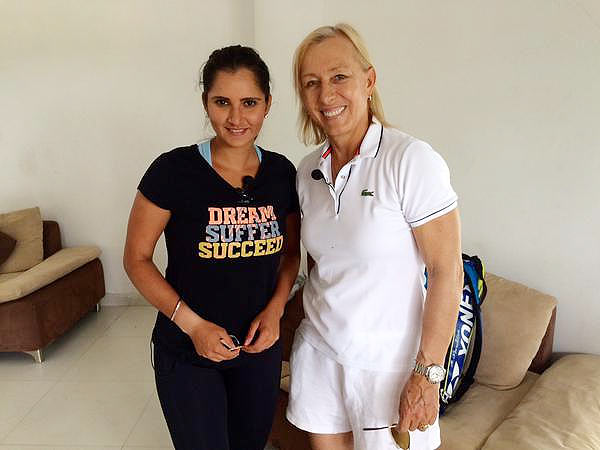 Martina-Congratulate-Sania