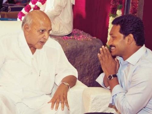 Jagan-Mohan-Meets-Ramoji-Rao