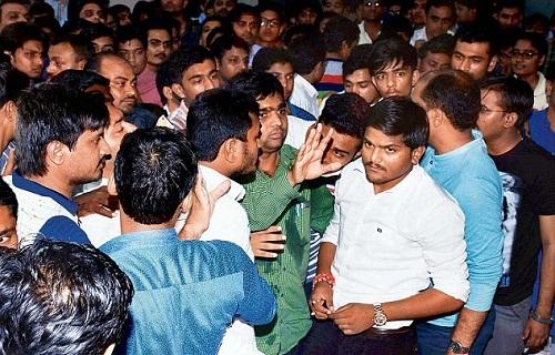 Gujarat-Police-Booked-Hardik-Patel