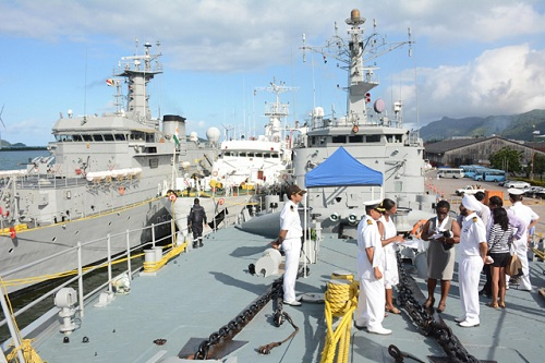 Indian-Navy-Counters-China