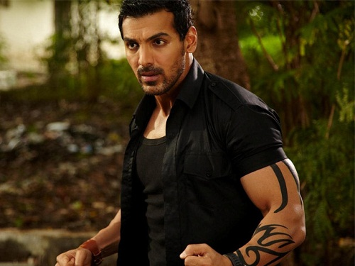 John-Abraham-Injured-Force-2-Sets