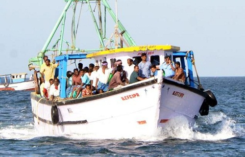 Sri-Lanka-Navy-Arrests-Tamil-Nadu-Fishermen