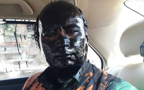 Sudheendra-Kulkarni-Face-Black-paint
