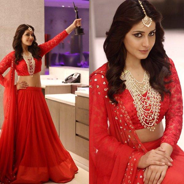 Raashi Khanna At Apsara Awards 2016