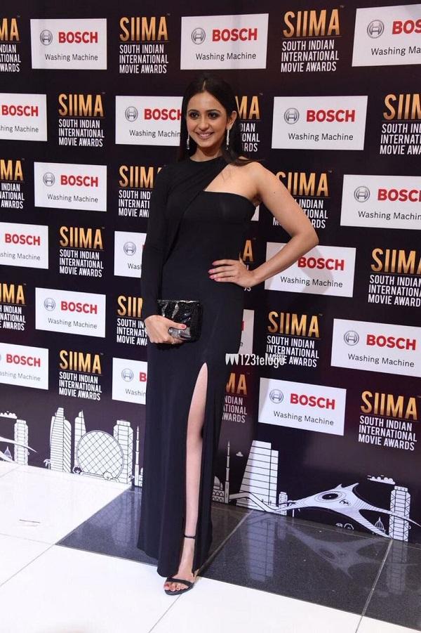 Rakul Preet Pics at SIIMA Awards 2017