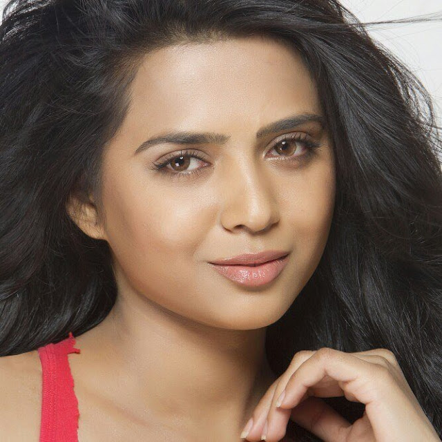 Richa Saxena Biography