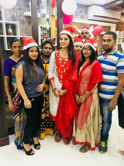 Lahari Shari Family