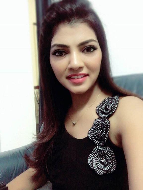mahaa news anchor lahari shari
