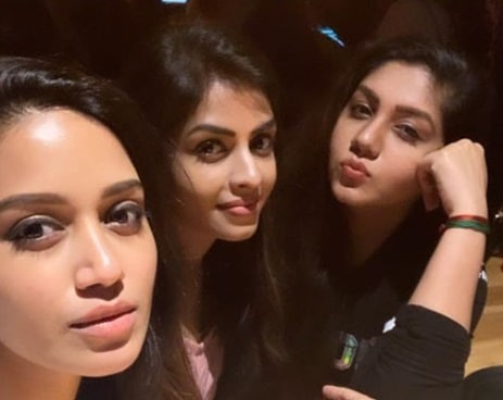 Nivetha Pethuraj Friends