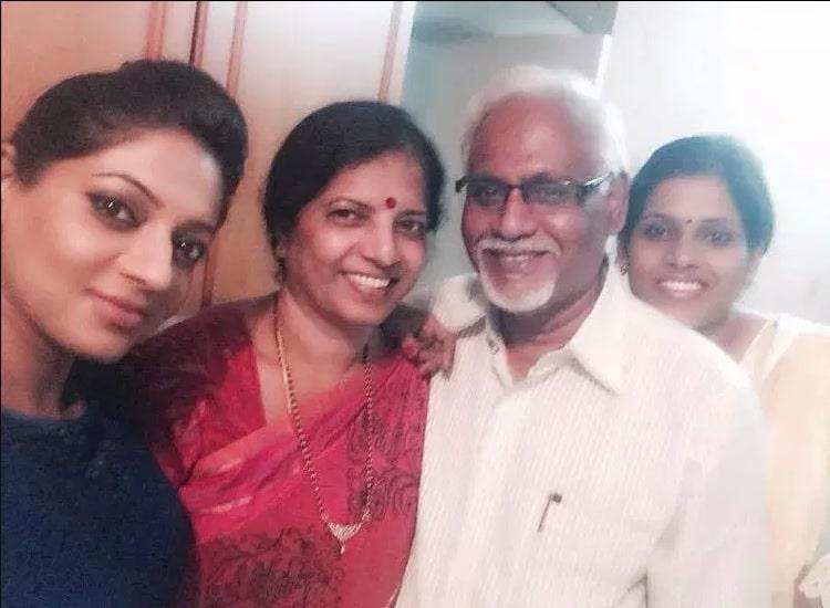 Reshma Pasupuleti Father Mother