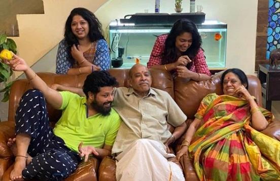 Nandu Family